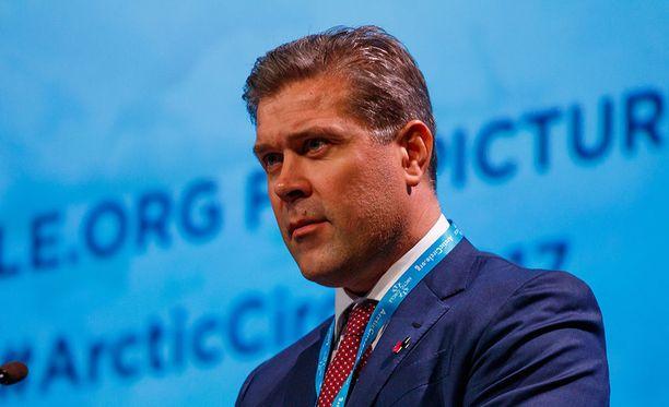 Islanninpääministeri Bjarni Benediktssonin puolue oli säilyttämässä asemansa maan suurimpana puolueena, kun äänistä oli laskettu melkein puolet.