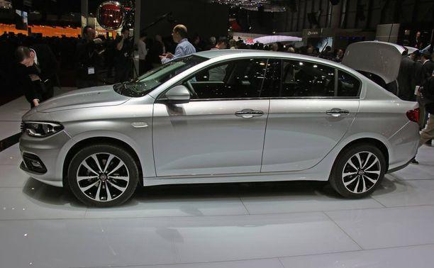 Sedanit ovat out. Niinpä uudesta Tiposta ei tuoda Suomeen tätä sedan-mallia (pieni takaluukku, hyh) lainkaan.