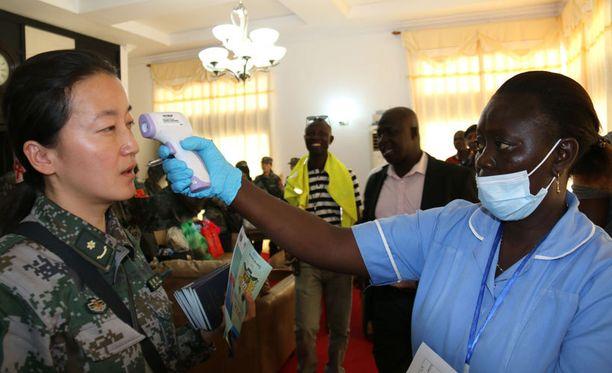 Ebolan vastainen taistelu jatkuu monissa Länsi-Afrikan maissa.