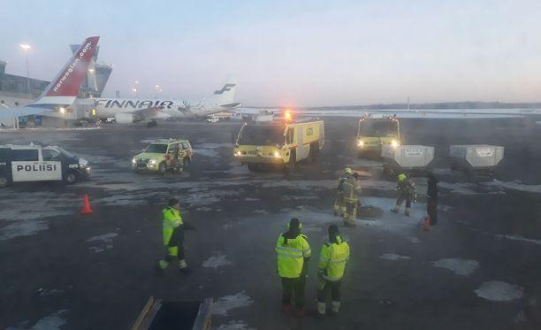 Norwegianin lennolla sattui uhkaava vaaratilanne perjantaina aamulla, kun koneen ruumasta löytyi juuri ennen lähtöä tulessa oleva kangaskassi.