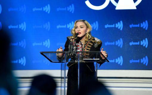 Madonna lahjoitti mittavan summan koronavirustaistelun tukemiseen – kiittää vuolaasti hoitohenkilökuntaa