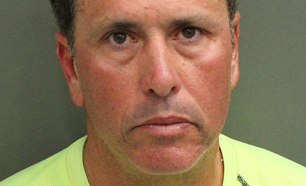 Gustavo Falcon oli elänyt peitehenkilöllisyyden turvin Floridassa 26 vuotta ennen jäämistään kiinni.
