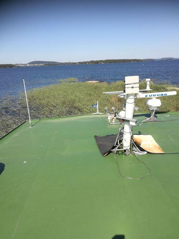 Heikki Paldanius otti laivan kannelta kuvan, josta näkyy, kuinka matalalla alus liikkui.