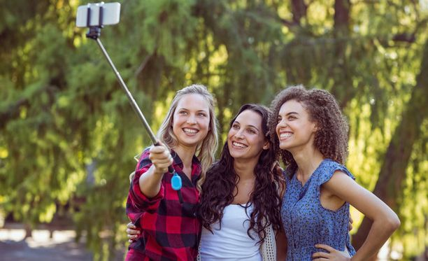 Festivaaleilla saa kuvata ja julkaista ottamiaan kuvia sosiaalisessa mediassa. Selfie-keppiä ei kaikkialla kuitenkaan saa käyttää.
