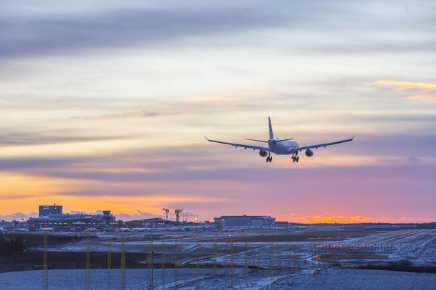 Jäinen sää tuo haasteita lentoliikenteeseen. Kuvituskuva.