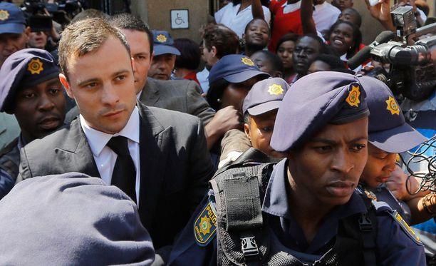Oscar Pistoriuksen oikeudenkäynti keräsi suuren mediahuomion viime syksynä.