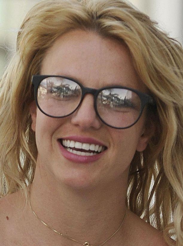 Britney Spears on viime aikoina kuvattu usein homssuisessa lookissa.