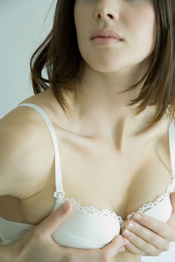 Ei ole syytä huoleen, vaikka rinnat eivät olisikaan aivan saman kokoiset.