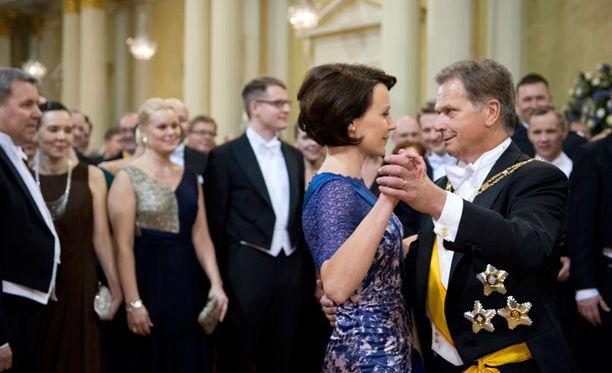 Presidentti Niinistön ensimmäiset Linnan juhlat tavoittivat suuren yleisön.
