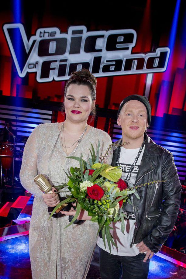 Saija Saarnisto ponnisti voittoon Redraman tiimistä. Finaalissa kaksikko esitti yhdessä Holy Grail -biisin.