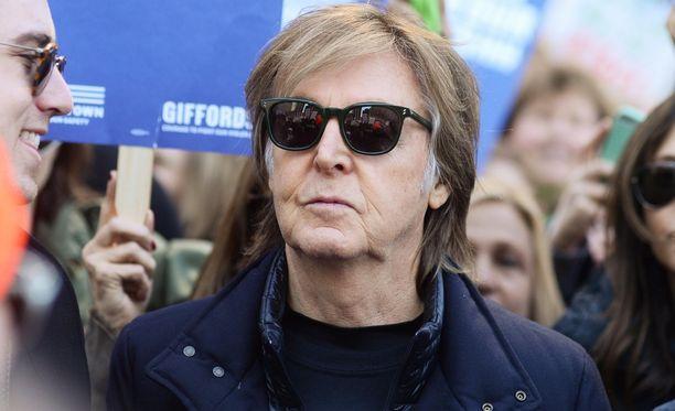 Paul McCartney yllättää ronskilla Beatles-paljastuksellaan.