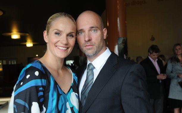 Laura Malmivaara ja Aku Louhimies ovat edelleen hyvissä väleissä. Avioerosta on jo kahdeksan vuotta.