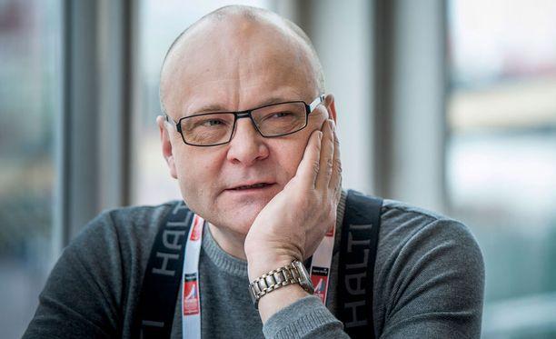 Tapio Suominen on näkyvä hahmo Twitterissä.