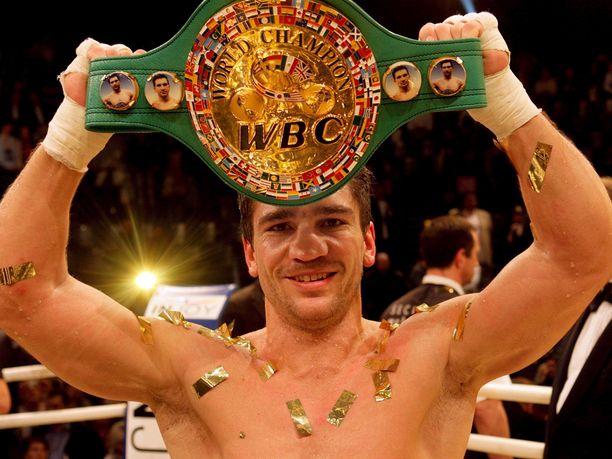Ylemmässä keskisarjassa otellut Markus Beyer voitti WBC-liiton maailmanmestaruuden kolme kertaa.