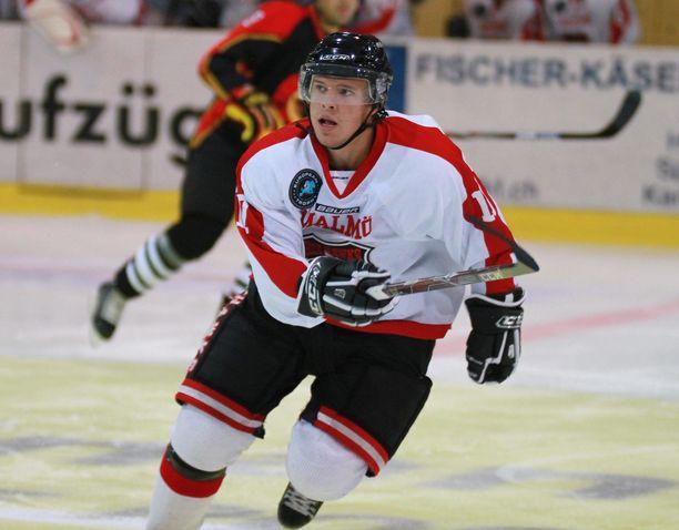 Lucas Sandströmin hermokontrolli petti. Kuva vuodelta 2010, jolloin hän edusti Malmö Redhawksia.