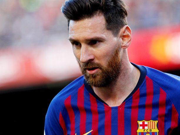 Mistä seurasta Lionel Messi siirtyi FC Barcelonaan?