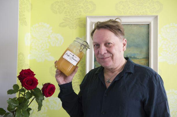 Salon ei tarvitse ostaa hunajaa kaupasta, kun sen saa omilta mehiläisiltä.