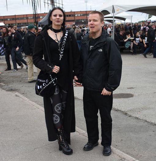 Vantaalaiset Anna ja Joakim kertoivat odottavansa Tuskaa vuosittain. Joakim odotti illalta ryminää. Ensimmäisen kerran kaksikko saapui Tuskaan vuonna 2005.