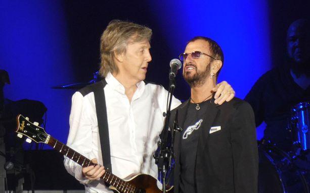 Vanhat Beatles-legendat Paul McCartney ja Ringo Starr yhdistivät voimansa McCartneyn Freshen Up -maailmankiertueen lopuksi Los Angelesissa 13. heinäkuuta.