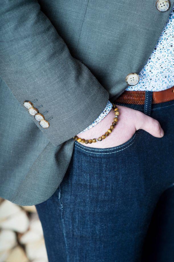 Solmiota tai suoria housuja ei välttämättä tarvita, jos tyyli on muuten harkittu, Mikael kertoo.