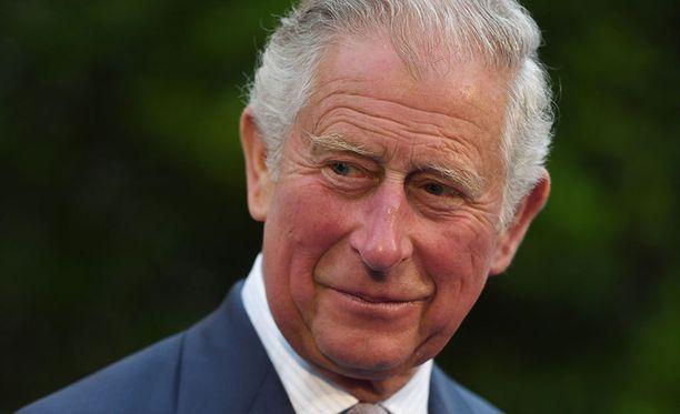 Prinssi Charles on prinssi Harryn ja prinssi Williamin isä.