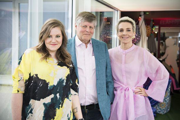 Merimaa kuvattuna Laura Frimanin ja Maria Veitolan kanssa Tähdet, tähdet -ohjelman tiedotustilaisuudessa tänä vuonna.