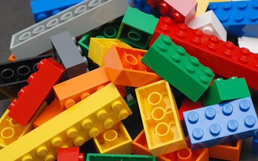 Suomalainen tubettaja rakensi legoista vaihteiston, jonka hitaus ylittää käsityskyvyn