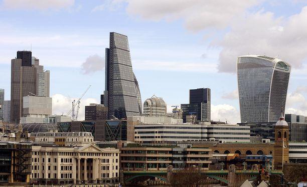 Lontoossa monet surmista tehdään teräaseella.