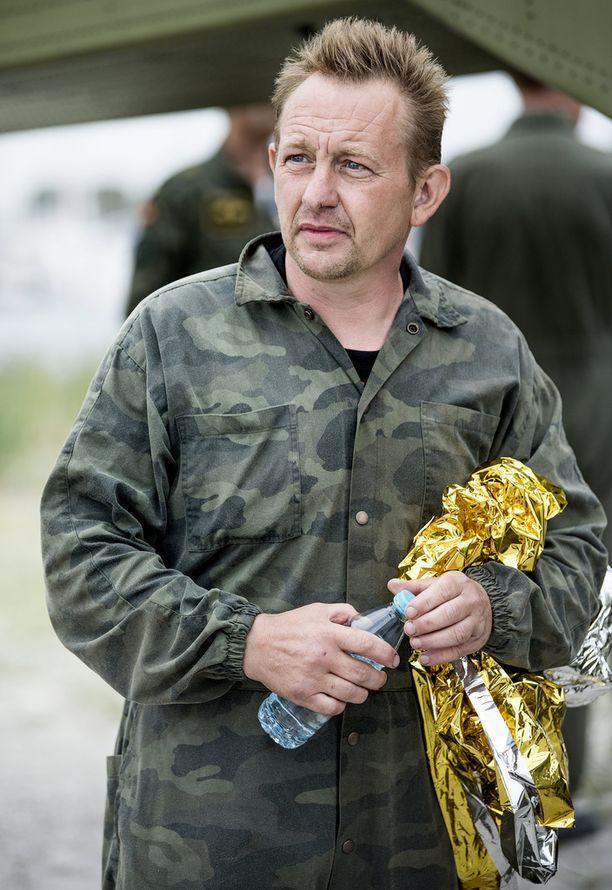 Sukellusveneen rakentanutta tanskalaiskeksijää, 46-vuotiasta Peter Madsenia epäillään ruotsalaisen naistoimittajan taposta.