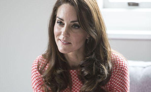 Herttuatar Catherine toivoo, etteivät äidit epäröisi pyytää apua.