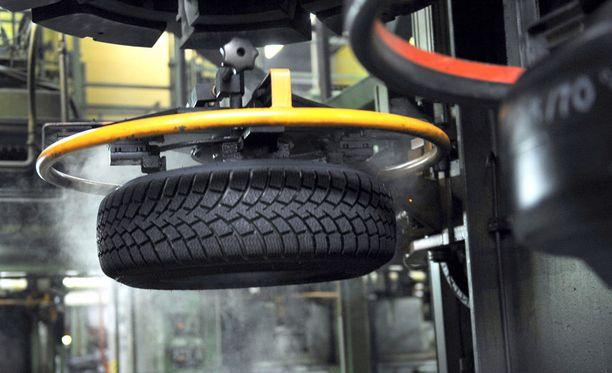Nokian Renkaat on lähettänyt lehtitesteihin paranneltuja renkaita, kertoo Kauppalehti.