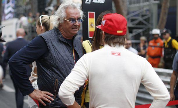 Entinen Benetton- ja Renault-pomo Flavio Briatore ei ole ollut vakuuttunut Kimi Räikkösen esityksistä tämän toisella Ferrari-uralla.