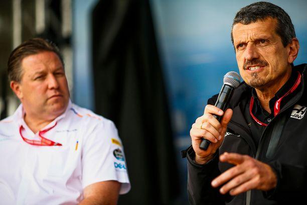 McLarenin Zak Brown (vas.) ja Haasin Günther Steiner vaativat nopeita ratkaisuja Liberty Medialta.