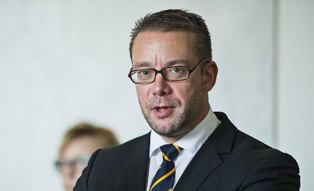 RKP:n kansanedustaja Stefan Wallin ilmoittaa jättävänsä eduskunnan kuluvan kauden jälkeen.
