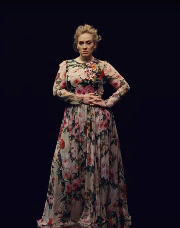 Adele uudella Send My Love (To Your New Lover) -videollaan.