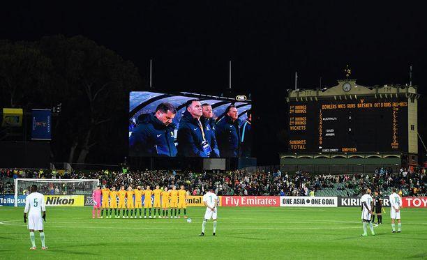 Saudi-Arabian pelaajat eivät ryhmittyneet hiljaista hetkeä varten.
