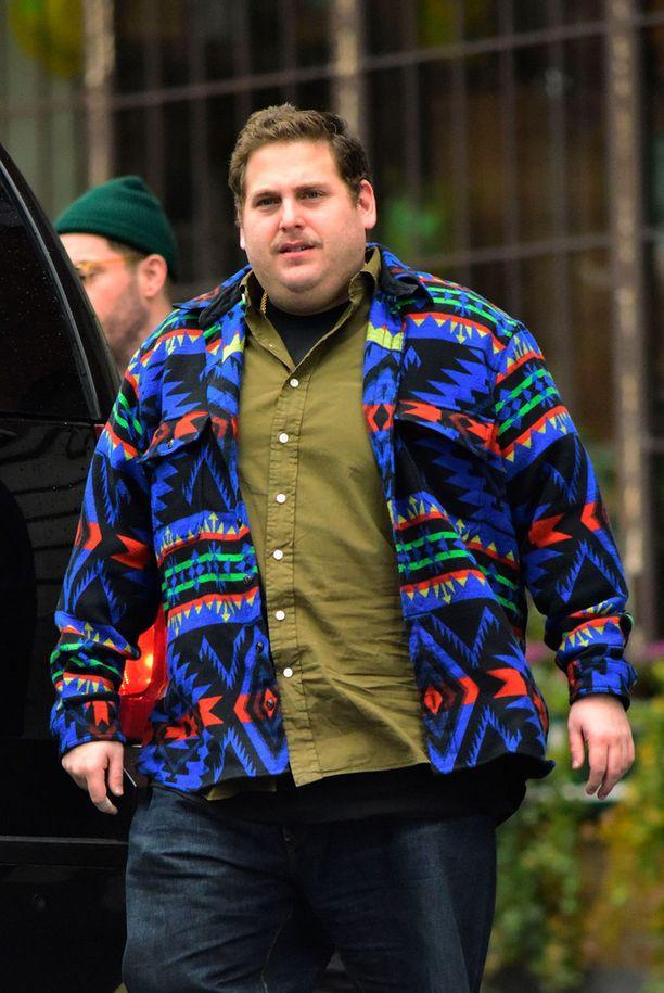 Alkuvuodesta otetut kuvat todistavat, että painonsa kanssa aina kamppaillut näyttelijä on saanut laihdutetut kilot takaisin korkojen kera.