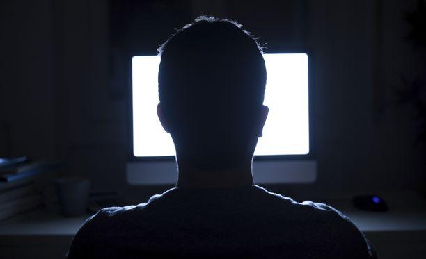 Pornosivujen käyttäjien tiedot vuosivat.
