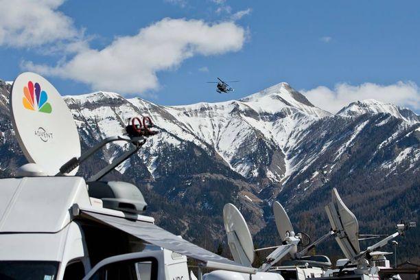 Maailman media suuntasi Alpeille viime vuoden maaliskuussa synkkien uutisten jälkimainingeissa.