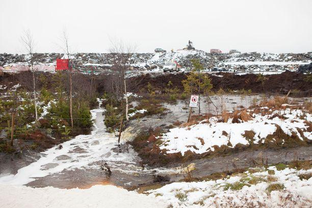 Mittavat ympäristötuhot aiheuttaneeseen Talvivaaraan upposi satoja miljoonia euroja veronmaksajien rahoja. Nyt kaivosta pyörittää Terrafame. Kuva Talvivaarasta vuodelta 2012.