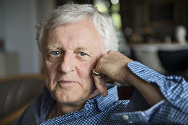 Peter Fryckman vaatii valtiolta kymmenien miljoonien eurojen korvauksia.
