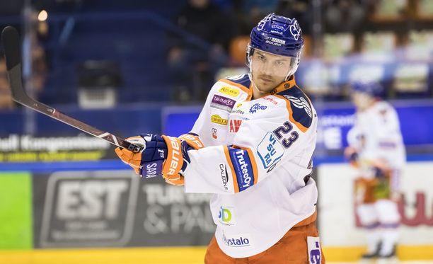 Aleksi Elorinne oli epäonnekas semifinaalisarjan avausottelussa Turussa.