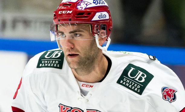 HIFK:n Joe Finley sai Vaasassa suihkutuomion.