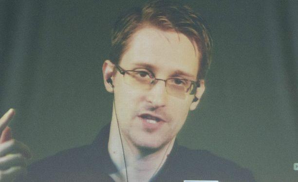 Holderin mukaan on mahdollista, että Yhdysvaltain oikeusministeriö ja Snowden pääsevät sopimukseen.