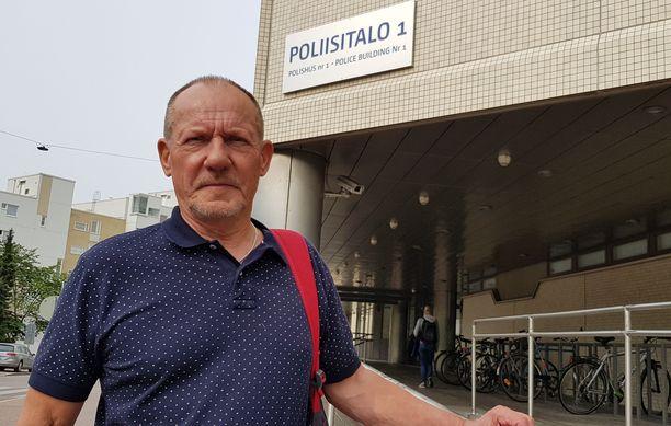 –Tarvitaan yleistä asennemuutosta. Toisen ihmisen tahallinen vahingoittaminen pitäisi olla nykyistä tuomittavampaa, sanoo pitkän uran poliisissa tehnyt rikosylikomisario Juha Rautaheimo.