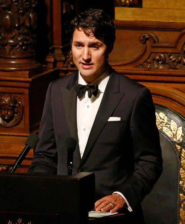 Justin Trudeaun nuoruuskuvat ovat villinneet sosiaalisessa mediassa ja Kanadan pääministeriä tituleerataankin hurmuriministeriksi.