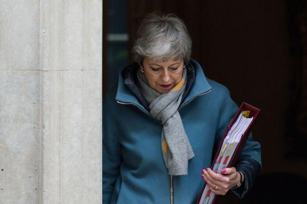 Theresa May on pyytänyt EU:lta lykkäystä brexitiin.