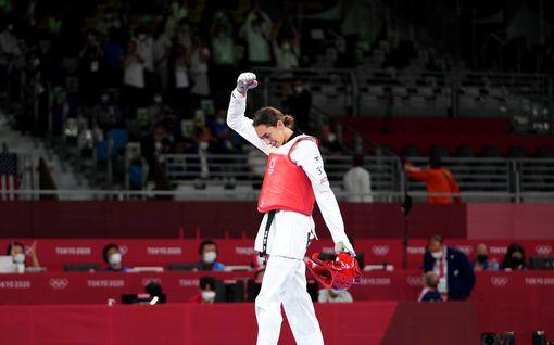 Kimia, 23, ei edusta mitään maata olympialaisissa – oli lähellä tehdä historiaa