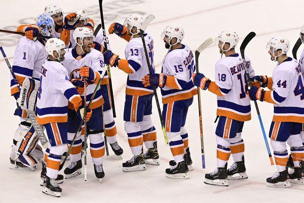 New York Islanders kärsi sarjan ensimmäisessä ottelussa murskatappion.