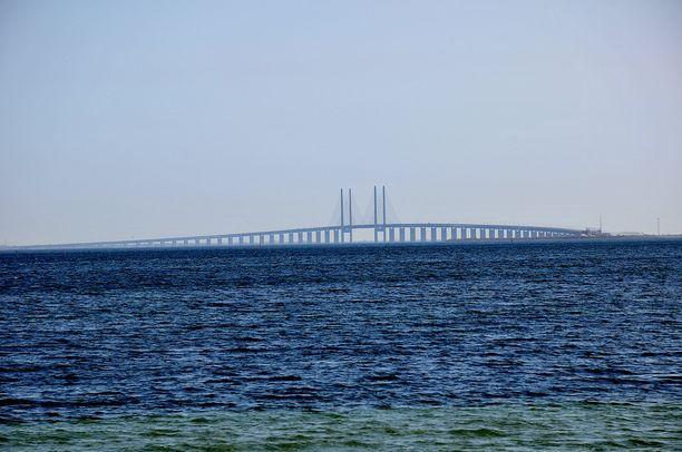 Juutinrauman silta yhdistää kaksi suurkaupunkia eli Tanskan pääkaupungin Kööpenhaminan ja Ruotsin Malmön
